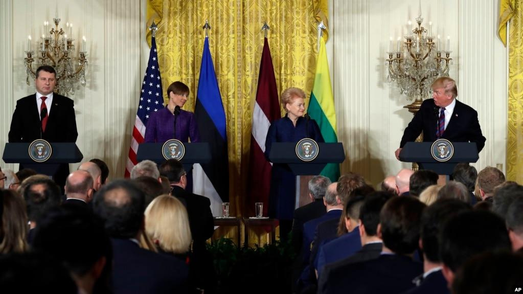 Presidenti Trump pret udhëheqësit e vendeve baltike
