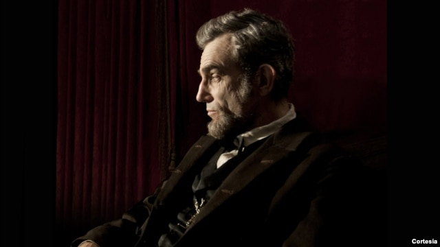 Daneil Day-Lewis thủ vai Tổng thống Abraham Lincoln trong phim 'Lincoln'