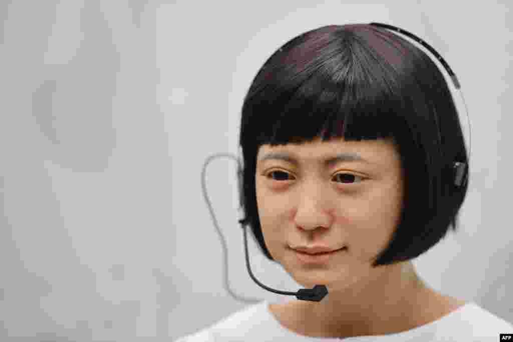 London - Yaponiyanın 'Kodomoroid' robotu Elm muzeyində