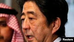 日本首相安倍晉三強烈譴責斬首行為