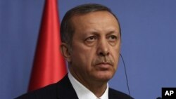 Turkey's Prime Minister Recep Tayyip Erdogan addresses news conference, Ankara, Dec. 18, 2013.