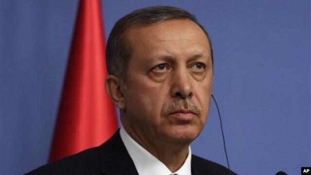 Turkey's Prime Minister Recep Tayyip Erdogan addresses news conference, Ankara, Dec. 18, 2013.
