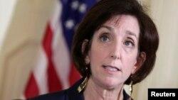 Asisten Menteri Luar Negeri Amerika untuk Urusan Belahan Barat, Roberta Jacobson dalam konferensi pers di Havana (23/1).