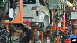 Scene inside US auto factory (file photo)