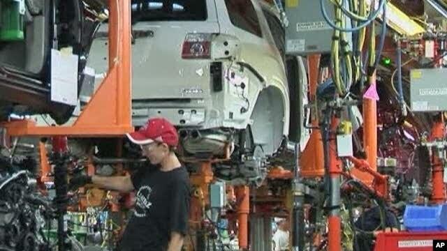 Scene inside US auto factory (file photo)