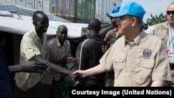 聯合國秘書長潘基文日前到訪南蘇丹巡視救援工作