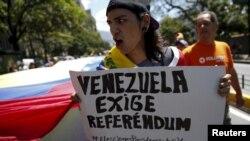 La oposición ha estado realizando manifestaciones en Venezuela para exigir la convocatoria a un referéndum revocatorio este año.