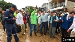 Santos viajó a Mocoa y declaró la ciudad como zona catastrófica el sábado.