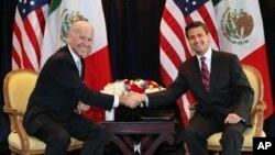 El vicepresidente Joe Biden y Enrique Peña Nieto cuando éste era candidato a la presidencia de México, en marzo de 2012.