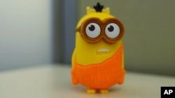 """El juguete de los """"Minions"""" vienen con la compra del popular menú infantil llamado """"cajita feliz"""", de McDonald's."""