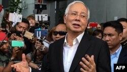 Malaysia Najib Razak berbicara kepada media di Putrajaya (foto: dok).