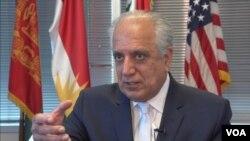 آقای زلمی خلیلزاد زمانیکه به حیث سفیر ایالات متحده در کابل ایفا وظیفه می کرد، نیز یکی از منتقدین جدی پالیسی پاکستان در قبال افغانستان بود.