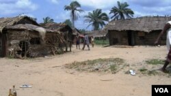 The Bakassi people live in small fishing settlements like this one. (VOA / S. Olukoya)