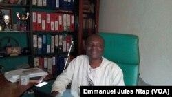 Coco Bertin, promoteur du Club des jeunes aveugles réhabilités du Cameroun, le 27 octobre 2017. (VOA/Emmanuel Jules Ntap)