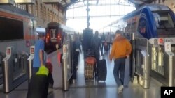 프랑스 마르세유의 기차역.1일 생샤를 역 앞 광장에서 시민 2명이 로 숨졌다.