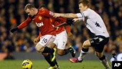 Bintang Manchester United, Wayne Rooney (kiri) akan diturunkan sebagai skuad inti MU saat menghadapi Chelsea (foto: dok).
