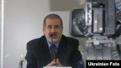 В 10-му окрузі представник опозиційних сил має шанс перемогти регіонала – Чубаров