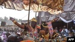 Awoulae Tanoe Amon, roi du Grand Bassam et président de la Chambre nationale des rois et chefs traditionnels au Palais Royal de Grand Bassam le 4 novembre 2017.