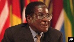 Presidente Mugabe quer eleições em Julho