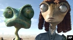 Left to right: Rango (Johnny Depp) and Beans (Isla Fisher) in RANGO, from Paramount Pictures and Nickelodeon Movies.