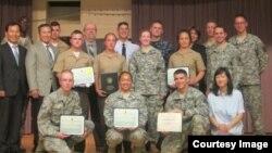 미 서부 캘리포니아에 있는 미국 국방외국어대학 '한국어 웅변대회'에서 입상한 수상자들.