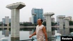 Liên quan tới nguồn vốn cho dự án triển khai thực hiện từ năm 2008, ngoài khoản gần 140 triệu đôla từ chính phủ Việt Nam, số còn lại là vốn vay ưu đãi hơn 400 triệu đôla của Trung Quốc.