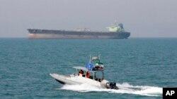 Катер иранской береговой охраны