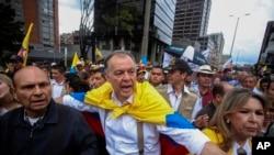La movilización que fue liderada a nivel nacional por el expresidente Álvaro Uribe Vélez (2002-2010) y por el exprocurador general, Alejandro Ordoñez, representantes de los sectores más radicales de la derecha y extrema derecha de este país andino.