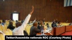 Bakeli mibeko na Assemblée nationale, Kinshasa, RDC, 22 mai 2020. (Twitter/Assemblée nationale RDC)