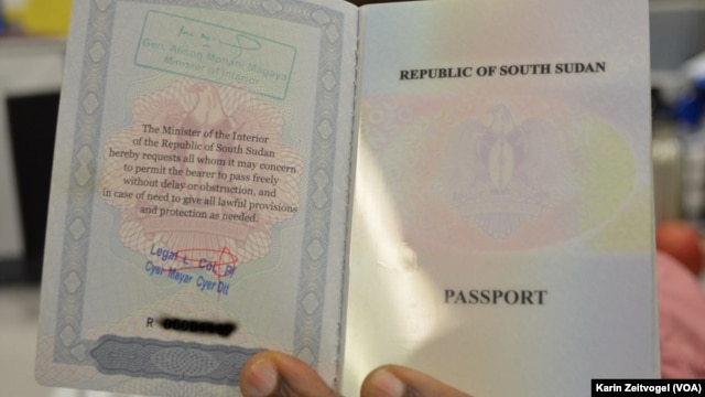 Officials in Northern Bahr el Ghazal in South Sudan refuse to issue passports to members of the Fulani tribe, insisting that they are not bona fide citizens of the new country. (K.Zeitvogel/VOA)