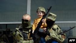 Pro-Ruski militanti, grad Kostyantynivka, April 28, 2014.