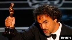 《飛鳥俠》榮獲最佳影片獎。伊納里圖獲得了最佳導演獎。