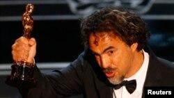 《鸟人》的导演伊纳里图获颁87届奥斯卡最佳导演奖。
