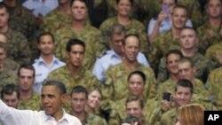 호주 다윈 군기지를 방문한 바락 오바마 미국 대통령(좌)과 줄리아 길러드 호주 총리(우)