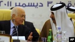 Wezîrê Derve yê Qatarê Şêx Hamad Bîn Casim El Tahanî û Sekreterê Giştî yê Yekîtîya Ereb Nebîl El Erebî