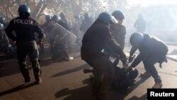 意大利羅馬示威者與警方衝突