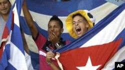 El presidente de la FIFA Sepp Blatter se refirió al tema de las deserciones de futbolistas cubanos, específicamente a un incidente la semana pasada en la que tres jugadores cubanos desaparecieron en Canadá.