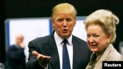 Дональд Трамп із сестрою Маріанною Трамп Баррі
