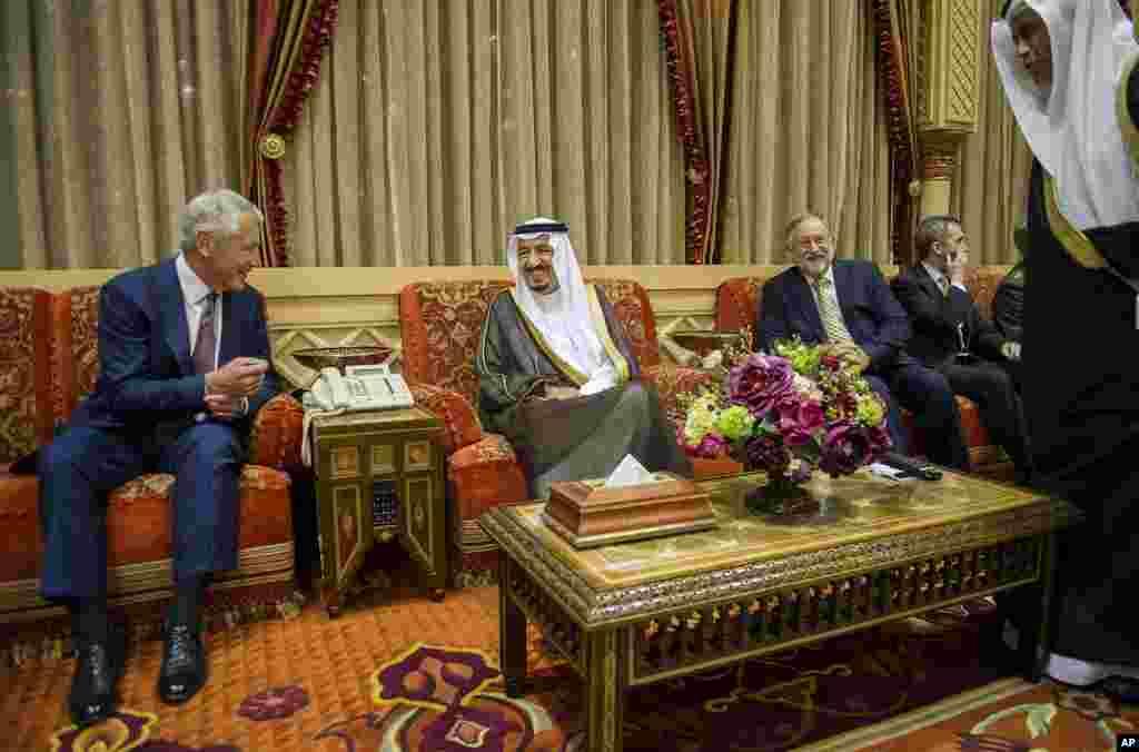 U.S. Secretary of Defense Chuck Hagel speaks with Saudi Crown Prince, Deputy Premier and Minister of Defense Salman bin Abdulaziz during a meeting at his residence in Riyadh, April 23, 2013.