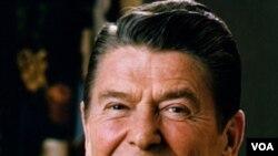 In 1994, el presidente Ronald Reagan escribió una carta que le decía al mundo que él padecía de la enfermedad.