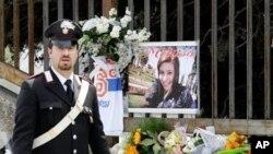 Vụ đánh bom tại phố cảng Brindisi bên bờ biển Adriatic đã giết chết một thiếu nữ 16 tuổi và làm bị thương ít nhất 6 người khác