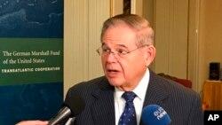 باب منندز نماینده ایالت نیوجرسی از حزب دموکرات در سنا - آرشیو