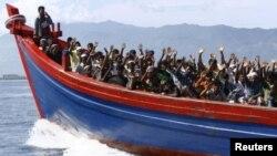 فرار مهاجرین با قایق بجانب آسترلیا