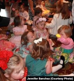Одна з перших ігрових зустрічей Софійки з іншими дітьми з особливими потребами. Каліфорнія, 2010 р.