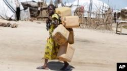 Une jeune fille déplacée dans le camp de Maiduguri, Nigeria, le 28 août 2016.