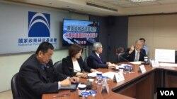 2017年5月15日台湾国家政策基金会国家安全组记者会,正在发言者为前立委帅化民 (美国之音记者申华 拍摄)