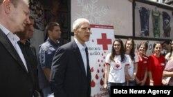 Gradonačelnik Beograda Dragan Djilas i predsednik Demokratske stranke Boris Tadić dobrovoljno su dali krv u centru Beograda, 14. juna 2012.