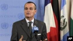 Đại sứ Pháp Gerard Araud, người đang giữ chức chủ tịch của Hội đồng Bảo an, nói rằng các nước hội viên tán đồng nhận định cho rằng không có đủ các điều kiện để triển hạn sứ mạng này
