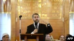 Đại giáo sĩ Haim Korsia thừa nhận đây là thời gian khó khăn đối với người Do Thái ở Pháp với con số ước tính khoảng nửa triệu người.