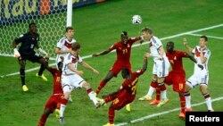 Đội Đức hòa 2-2 với đội Ghana trong một trận đấu đầy kịch tính ở bảng G tại sân vận động Castelao ở Fortaleza.